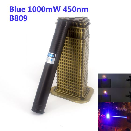 It is powered by 2 16340 batteries, laser range is more than 10000m / 6.21 miles, focus is zoomable, laser lens is interchangeable, the lens screw diameter is 11.28mm. There are optional shell colors: black, silver, gold, blue, dark pink.
